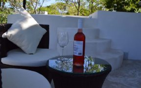 Jacuzzi y terraza en casa paraíso